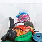 """Eine Ausstellung über die Ästhetisierung von Kultobjekten, Hexereiwesen, Warenfetischismus und Klimbim"""" von Dirk Meinzer, Stefan Panhans, Andrea Winkler. Dorothea Schlueter Galerie, Dezember 2015, Foto: Fred Dott"""